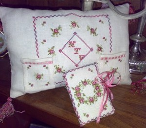 For a Gentle Heart Pillow Sewing Set
